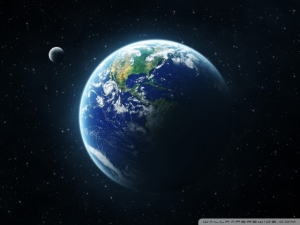 earth_and_moon_from_space-wallpaper-640x480