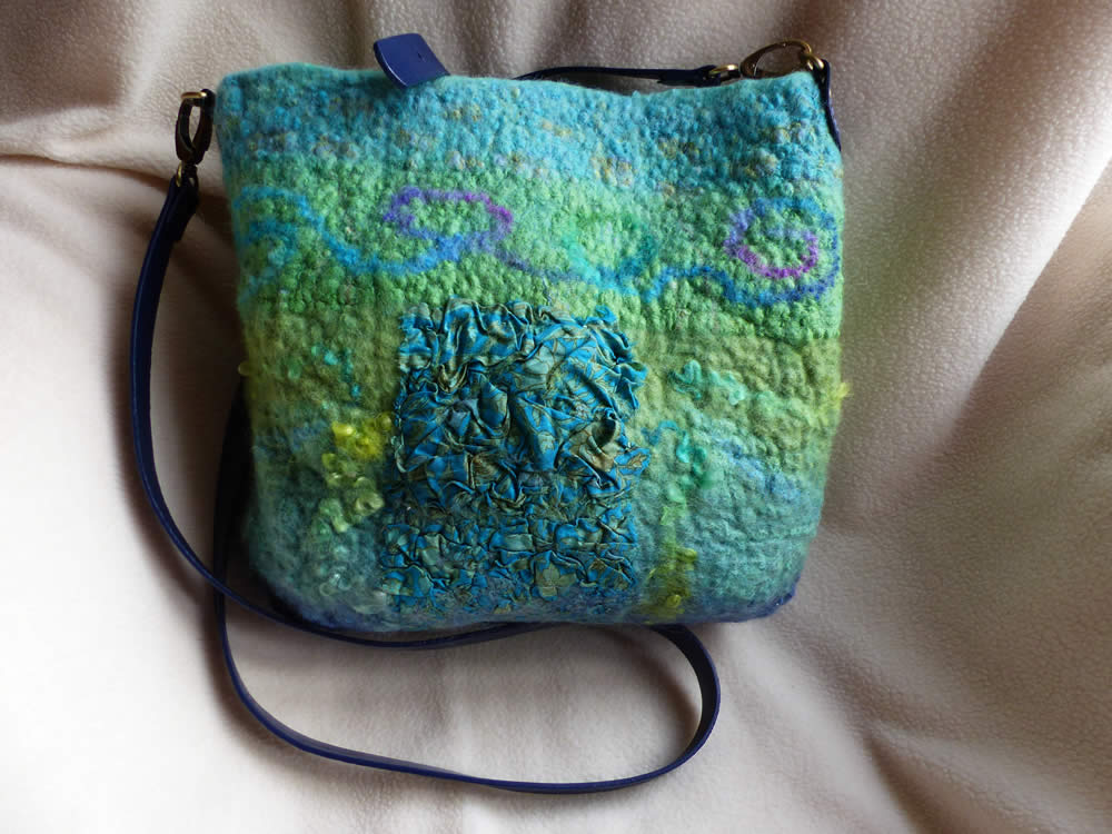 camera-bag-cross-body-strap-felt-nuno-silk-blythwhimsies-2017-02-02-14